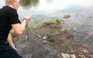 Как ловить на дорожку с берега видео